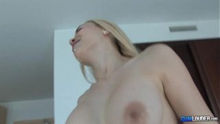 Adriana Deluxe shows me the best of a mature woman in bed