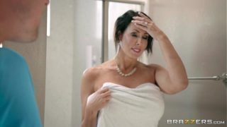 Hot Madura has hardcore sex with her stepson